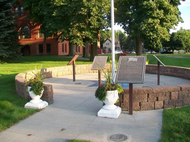 Mason County Veterans Memorial image. Click for full size.