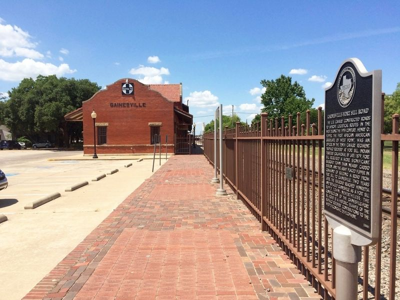 Gainesville-Fort Sill Road Marker at Gainesville Depot. image. Click for full size.