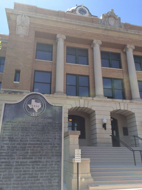 Cooke County Courthouse & Marker image. Click for full size.