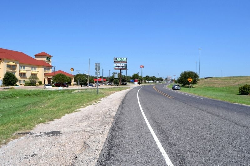 View to Northeast Along I-20 Access Road image. Click for full size.