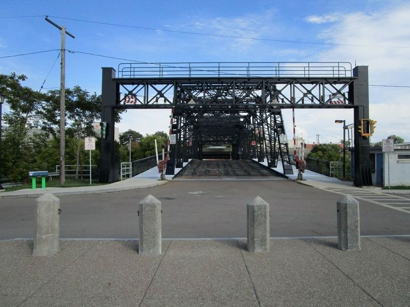 West Ferry Street Bascule Bridge & Marker image. Click for full size.
