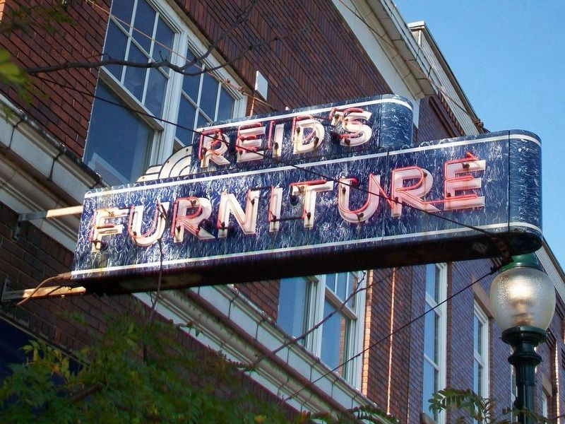 Reid's Furniture Neon Sign image. Click for full size.