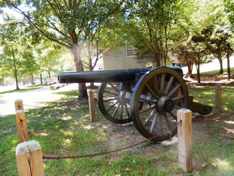 Cannon near the Visitor Center image. Click for full size.