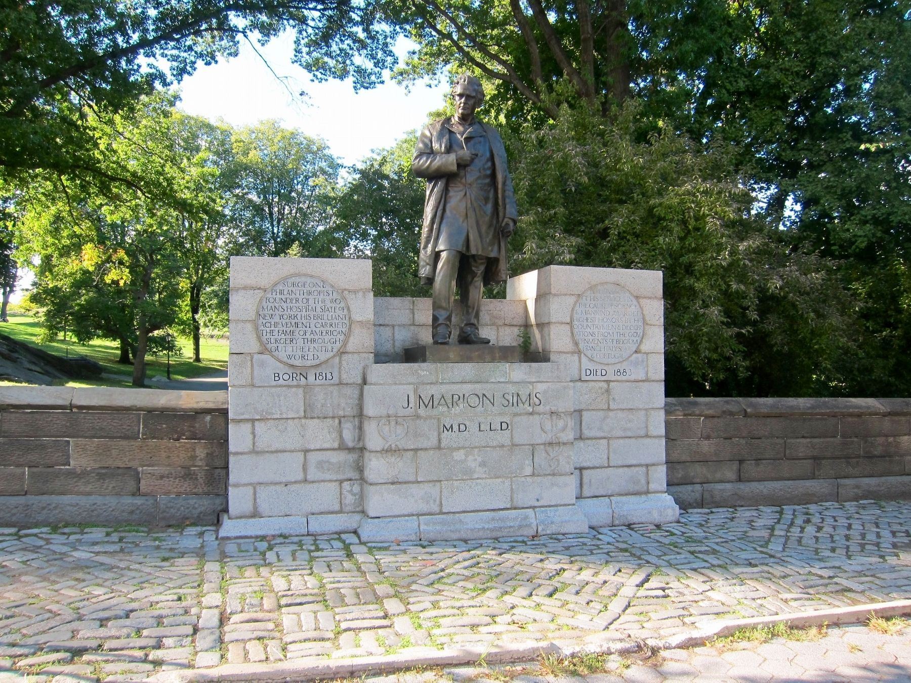 J. Marion Sims Statue and Marker - Wide View image. Click for full size.