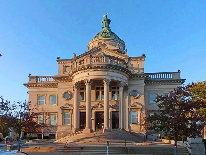 Somerset County Courthouse<br>South Front image. Click for full size.
