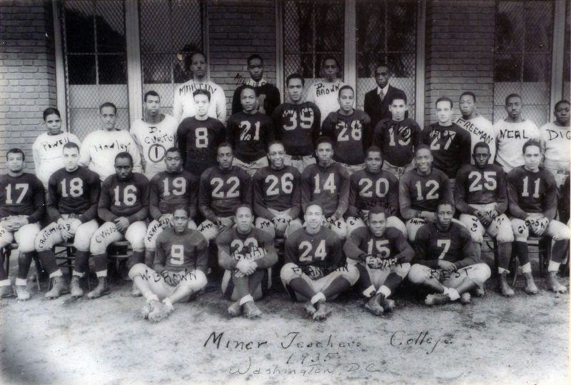 Football Team Miner Teacher's College 1935 image. Click for full size.