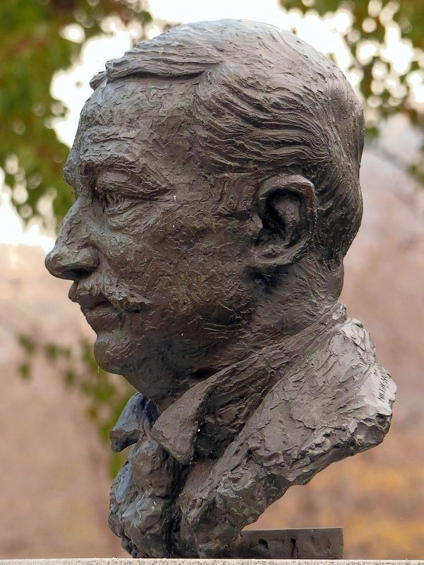 Aaron Montgomery Ward<br>1972 bust by Milton Horn image. Click for full size.