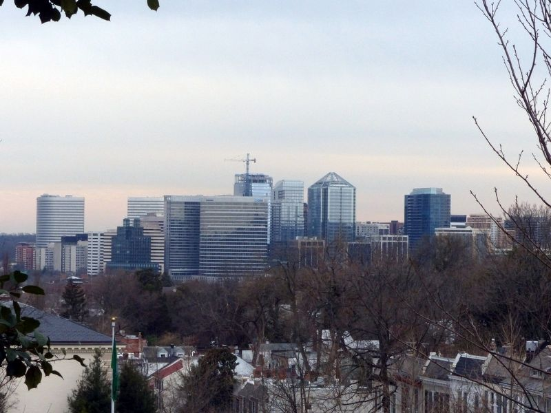 The View of Rosslyn Virginia image. Click for full size.