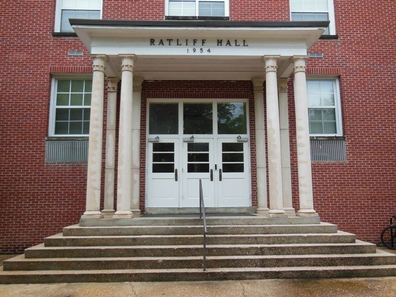 Ratliff Hall Entrance image. Click for full size.