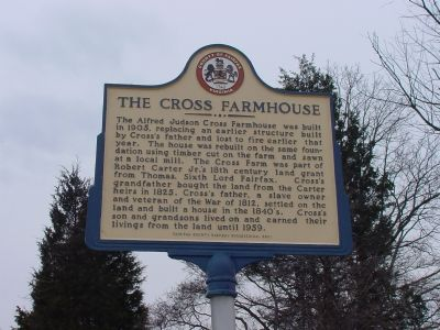 The Cross Farmhouse Marker image. Click for full size.
