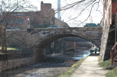 Looking West at the Wisconsin Avenue Bridge image. Click for full size.