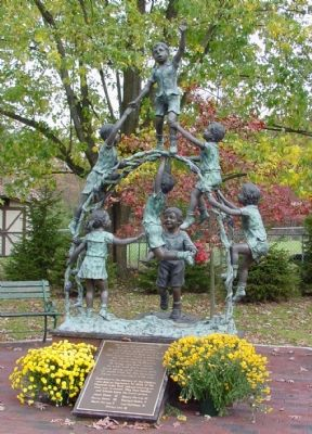 The Children's Monument Sculpture image. Click for full size.