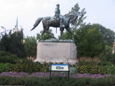 Marker and Statue image. Click for full size.