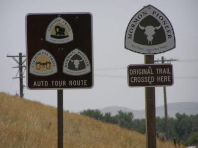 Trail route markers image. Click for full size.