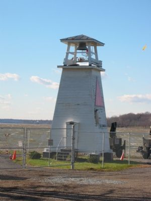 Lighthouse at Fort Washington image. Click for full size.