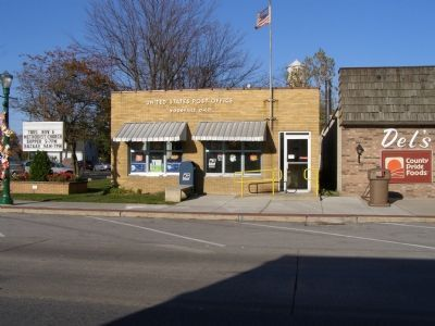 Woodville Post Office across the street image. Click for full size.