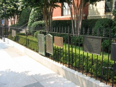 Several Markers in front of the Blair-Lee House image. Click for full size.