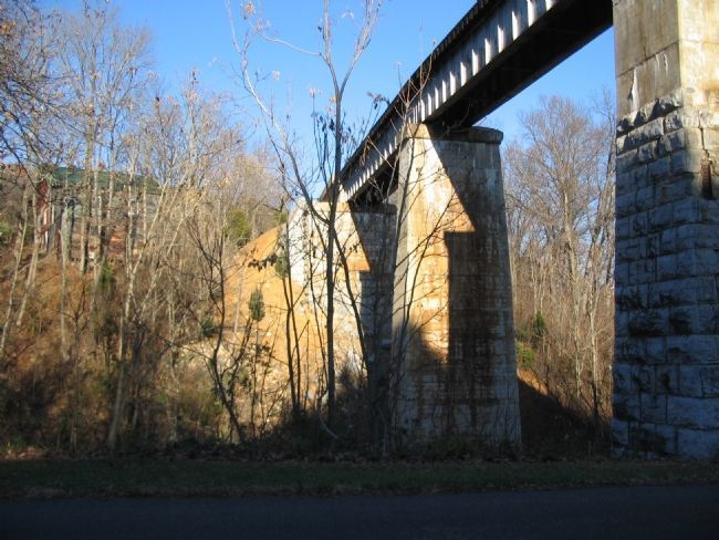 Norfolk Southern Railroad Bridge image. Click for full size.