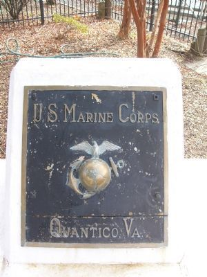 Marine Corps Marker located near Quantico Pier image. Click for full size.