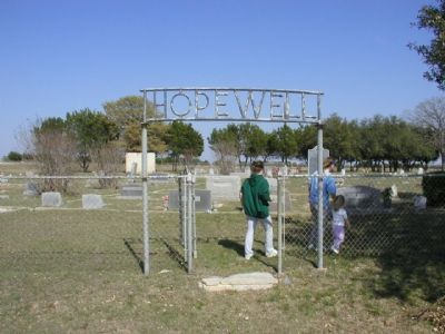 Hopewell Cemetery and Marker image. Click for full size.