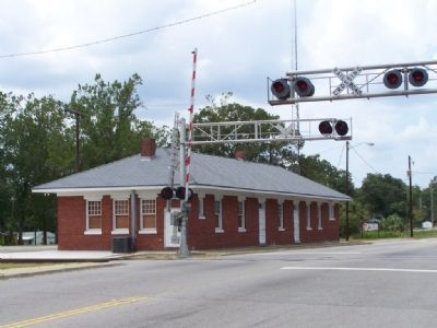 The Nearby Former Atlantic Coast Line Train Station image. Click for full size.