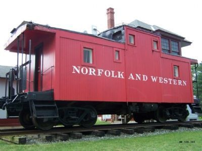 "Norfolk and Western #518-303 ""The Bowie Caboose"" image. Click for full size."