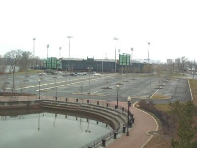 Looking at Riverfront Stadium from South Riverwalk Park image. Click for full size.