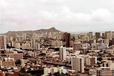 Honolulu with Diamond Head in distance as seen from The Punchbowl image. Click for full size.