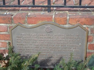 DAR marker at Meeting House wall. image. Click for full size.