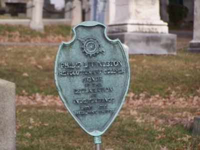 DAR marker at grave image. Click for full size.