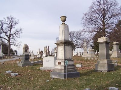 Full view of grave stone image. Click for full size.