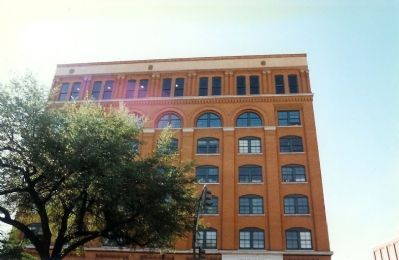 The former Texas School Book Depository Building image. Click for full size.