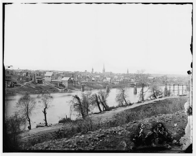 Union soldiers March 1863 view from farther down river image. Click for more information.