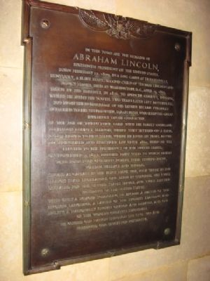 Marker inside Lincoln's Tomb image. Click for full size.
