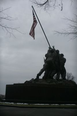 Marine Corps War Memorial image. Click for full size.