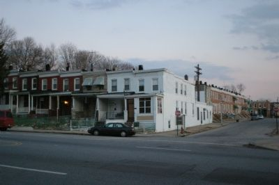Rowhouses: a Baltimore Tradition image. Click for full size.