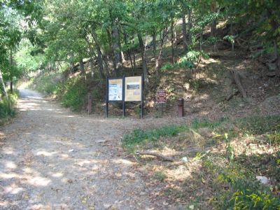 Start of the Long, Steep Trail up Maryland Heights image. Click for full size.