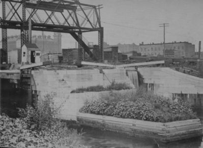 Erie Canal Lock 1 - Albany, New York image. Click for more information.