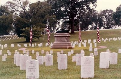 The Andrews Raid Grave site, Chattanooga National Cemetery image. Click for full size.