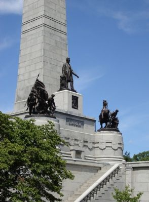Lincoln's Tomb image. Click for full size.