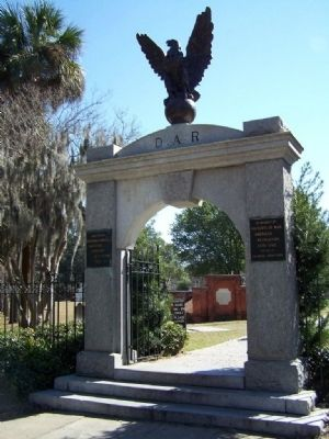 Marker located in Colonial Park Cemetery image. Click for full size.