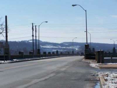 Eastern end of Veterans Memorial Bridge - Lincoln Highway image. Click for full size.