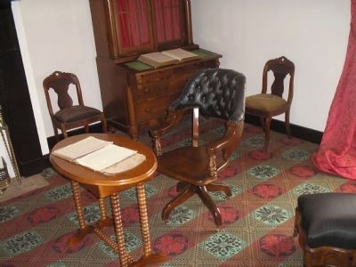 Grant's desk in the McLean House image. Click for full size.