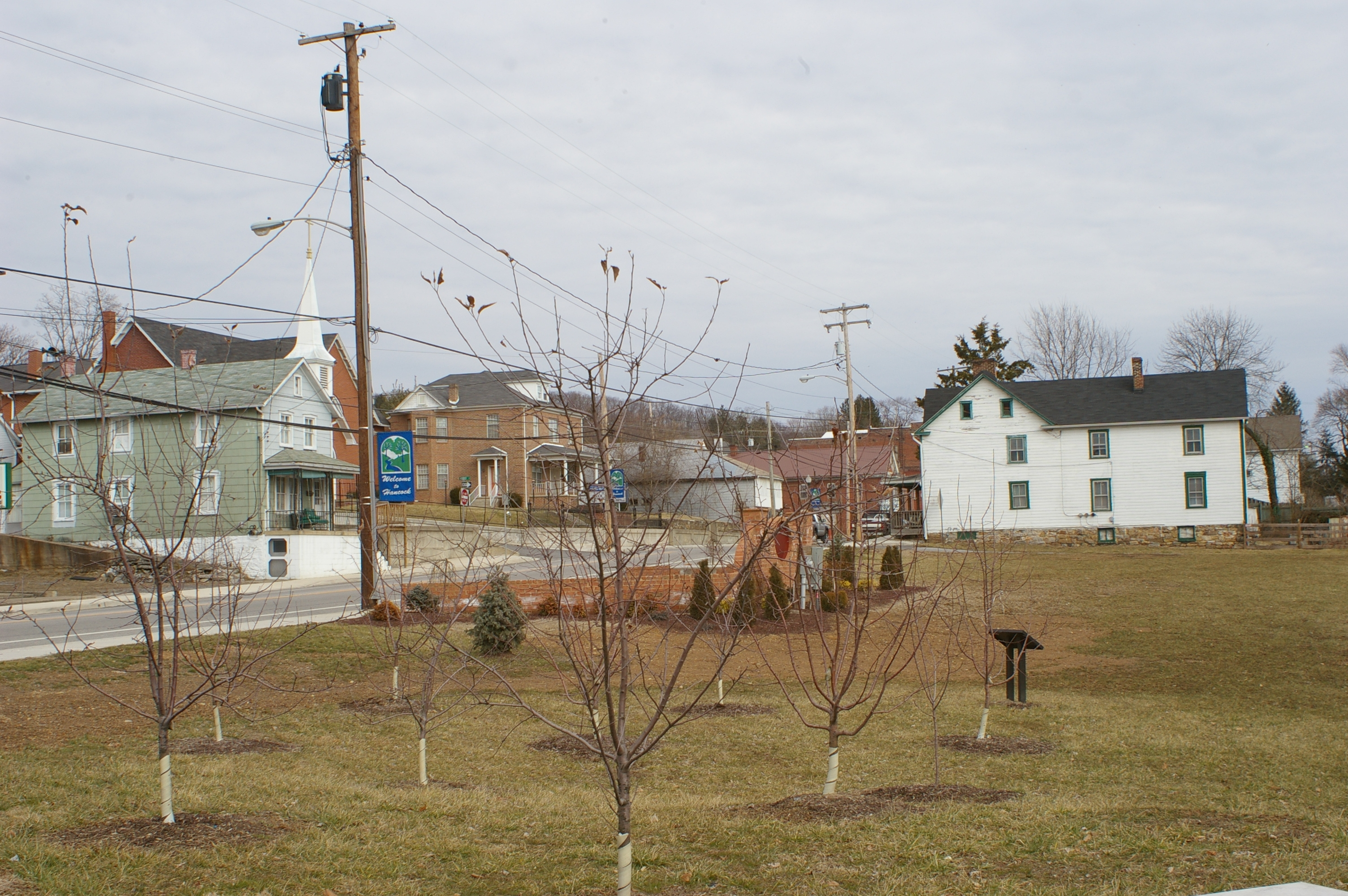 Fruit trees, the marker and the National Road