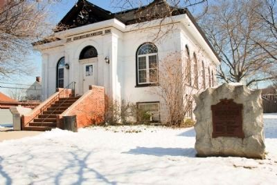 Marker in front of the Keyport Library image. Click for full size.