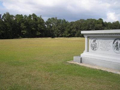 North Carolina Monument and earthworks image. Click for full size.