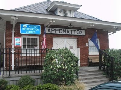 Appomattox Visitors Center image. Click for full size.