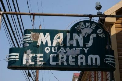 Home of Main's Quality Ice Cream image. Click for full size.