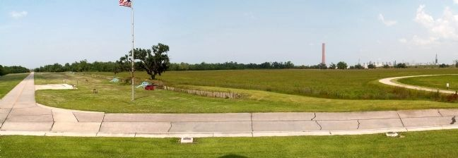 The battlefield, as seen from the steps of the monument image. Click for full size.