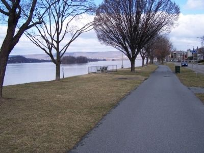 Portion of Riverfront Park looking north. image. Click for full size.